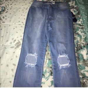 Fashion Nova Highwaisted jeans